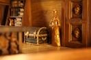 ΠΕΡΙΤΕΧΝΗ ΕΙΣΟΔΟΣ ΚΑΜΠΙΝΑΣ ΚΥΒΕΡΝΗΤΗ-ΚΑΣΕΛΑ ΤΟΥ ΚΥΒΕΡΝΗΤΗ-ΕΠΙΧΡΥΣΩΜΕΝΗ ΞΥΛΟΓΛΥΠΤΗ ΦΙΓΟΥΡΑ